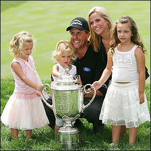 Phil_mickelson_and_wife_amy_with_children_golf_hero_green_celebrity_getty